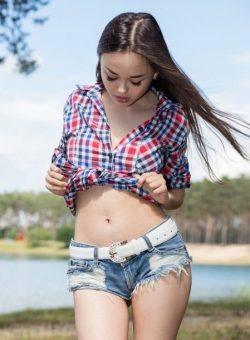 Девушка ищет парня для первого анала в Тольятти