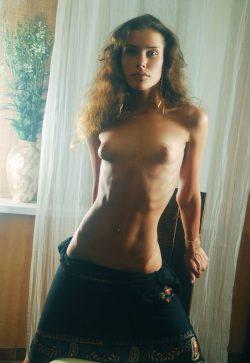 Веселая и обаятельная девушка встретиться с парнем для интимного времяпровождения в Тольятти.